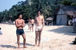1980 BOYS BEACH BRASIL BRAZIL AMATEUR 35mm DIAPOSITIVE SLIDE Not PHOTO No FOTO B3308 - Diapositives (slides)