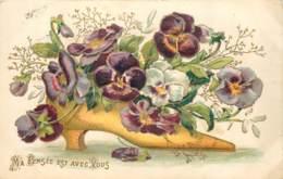 Belle Carte Gaufrée - Soulier De Fleurs - Fleurs