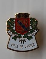 Pin's Blason Ville De Vanier - Cities