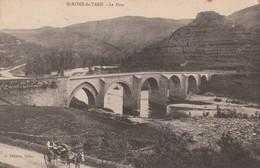 Rare Cpa St Rome De Tarn Le Pont Homme Avec Charette - Andere Gemeenten
