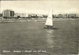 Riccione (Rimini) Spiaggia E Alberghi Visti Dal Mare, Barca A Vela In Primo Piano - Rimini