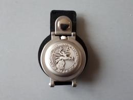 Montre Médaille Souvenir Du 57 ème Régiment D'artillerie (neuf)  & - Army