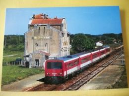M2 7180 CPM - UN TER ANGOULEME-ROYAN, CONFIE A UN ENSEMBLE X 2200 ET XR 6100 DE L'AUTORAIL X 2219, EN GARE DE PISANY - Gares - Avec Trains