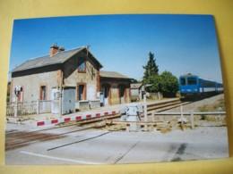 M2 7186 CPM. 28 BEAUVILLIERS. LIGNE BRETIGNY/ORGE-TOURS. PASSAGE D'UN AUTORAIL X 2200 EN GARE LE 21 AVRIL 1997 - Gares - Avec Trains