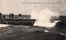 CPA   34   PALAVAS-LES-FLOTS---UN COUP DE MER A LA JETEE---1914 - Palavas Les Flots