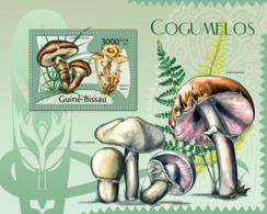 Guinea Bissau 2012 Mushrooms - Guinea-Bissau