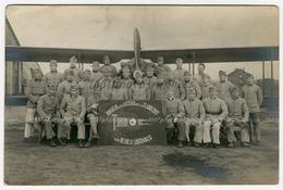 """Photo-carte. Portrait De Groupe D'aviateurs """"Honneur Aux Anciens De La Classe 1921 - Les Heureux Libéra - Photographs"""