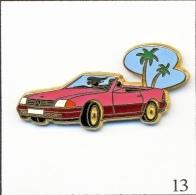 Pin's - Automobile - Mercedes 500 Décapotable - Rose/Bordeaux/Parebrise Bleu Ciel. Est. Arthus Bertrand Paris. T191-13 - Mercedes
