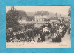 Barre-sur-Seine. - Fête Du Champagne, Le 4 Septembre 1921 - Le Défilé Faubourg De La Gare. - Bar-sur-Seine