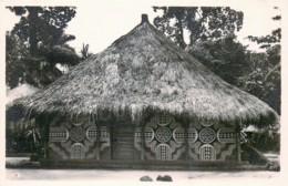 Publ. ZAGOURSKI - L'Afrique Qui Disparait - Prov. Or. - Mangbetu - Village Ekibondo -N° 68 - Congo Belga - Otros