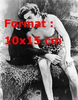 Reproduction D'une Photographie Ancienne De Buster Crabbe Et Cheeta Dans Tarzan En 1933 - Reproductions