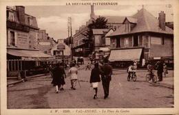 22 - VAL-ANDRE - La Place Du Centre - Autres Communes