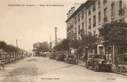 FRANCONVILLE -  Place De La République, Marché Et Voitures. - Franconville