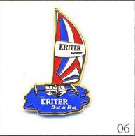 PIN'S  Sport - Nautisme / Voilier Trimaran Kriter Brut De Brut ( Mousseux De Beaune ). T221-06 - Bateaux
