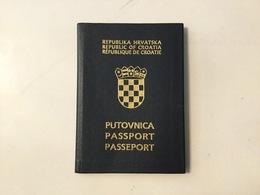 PASSPORT   REISEPASS  PASSAPORTO   PASSEPORT  CROATIA VISA 1992. - Historische Dokumente