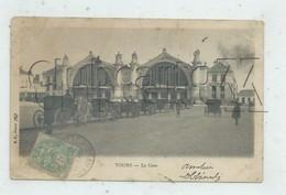 Tours (37) : La Station De Fiacres Devant La Gare En 1904 (animé, Attelages) PF. - Tours