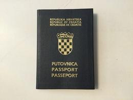 PASSPORT   REISEPASS  PASSAPORTO   PASSEPORT  CROATIA VISA 1992. - Historical Documents