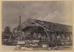 Albumine Circa 1890 . Construction D'un Bâtiment . Charpente En Bois . Militaires à Commercy ? - Photos