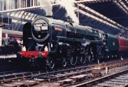 AL96 Railway Photograph - Steam Locomotive No. 70052 At A Station - Trains