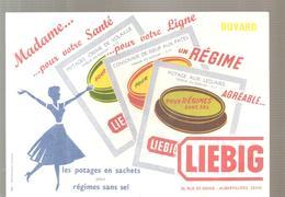 Buvard LIEBIG Madame Pour Votre Santé, Pour Votre Ligne; Un Regime LIEBIG - Sopas & Salsas