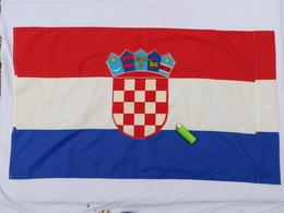 DRAPEAU CROATIE  Années 2000  ............état Neuf - Flags