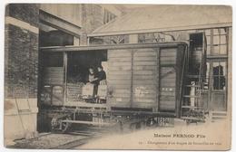 25 - Pontarlier - Maison PERNOD Fils - Chargement D'un Wagon De Bouteilles En Vrac - Pontarlier