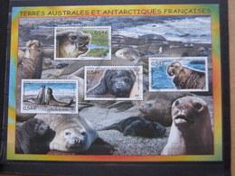 VEND BEAU BLOC FEUILLET DES T.A.A.F. N° 19 , XX !!! (c) - Blocs-feuillets