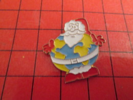 812H Pin's Pins / Beau Et Rare / THEME NOEL : PERE NOEL GLOBE TERRESTRE - Christmas