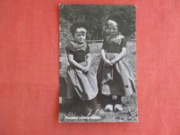 Nunspeet Veluwse Meisjes     Ref 3135 - Europe