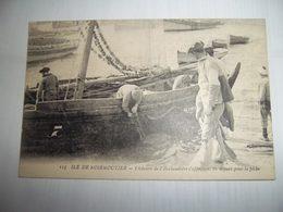 7abe - CPA N°115 - ILE DE NOIRMOUTIER -  Pêcheur De L'herbaudière S'apprétant Au Départ Pour La Pêche - [85] Vendée - - Noirmoutier