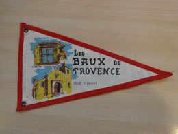 Fanion Touristique France LES BAUX DE PROVENCE (vintage Années 60) - (Vaantje - Wimpel - Pennant - Banderin) - Obj. 'Souvenir De'