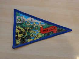 Fanion Touristique France HUELGOAT - BRETAGNE (vintage Années 60) - (Vaantje - Wimpel - Pennant - Banderin) - Obj. 'Souvenir De'
