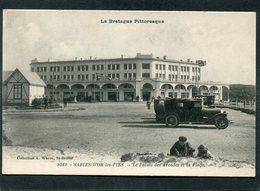 CPA - SABLES D'OR LES PINS - Le Palais Des Arcades, Animé - Automobiles - France