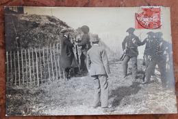 NICE (06) - CARTE-PHOTO DU MEETING D'AVIATION 1910 AVEC VIGNETTE AU DOS - Transport Aérien - Aéroport