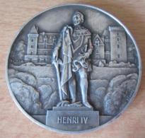 France - Médaille Bronze Henri IV / Château De Pau Signée Raoul Benard - Tranche France-Allemagne Juniors Pau 1964 - France