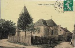 D77 - ISLES LES VILLENOY - PLACE DE L'EGLISE - Enfant En Premier Plan - Carte Tramée Et Colorisée - Autres Communes