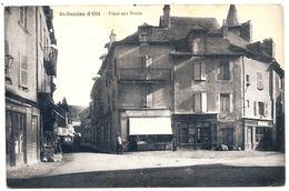 D12 . CPA . St GENIEZ D' OLT . Place Aux Fruits . - Frankreich
