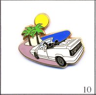 Pin's  Automobile - Renault 19 Cabriolet - Version Carrosserie Blanche-Route Violette. Est. A. Bertrand. Zamac. T419-10 - Renault