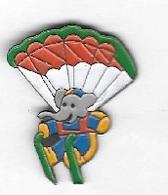 Pin's BD, Avion, Animal  Eléphant  BABAR  En  Parachute - Animals