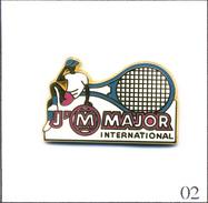 PIN'S Sport - Tennis / Roland Garros - Sponsor Raquette Major - Version Fuschia. Est. Arthus Bertrand. Zamac. T469-02 - Tennis