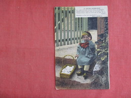 Child With Basket Of Eggs Notre Normandie   Ref 3136 - Europe