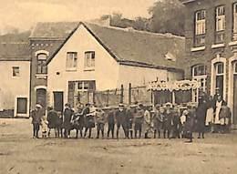 Montegnée - Place Wériha (animée, Marchand De Glaces, Voir Zoom) - Saint-Nicolas