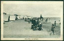 CARTOLINA - RIMINI - CV296 BELLARIA (RN Rimini) La Spiaggia, FP, Viaggiata 1930, Bella Animazione, Buone Condizioni - Rimini