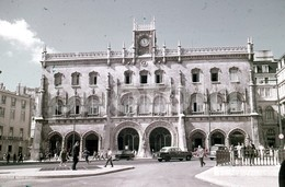 70s MERCEDES 180D TRAIN STATION ROSSIO LISBOA PORTUGAL 35mm DIAPOSITIVE SLIDE Not PHOTO No FOTO B3319 - Diapositives (slides)