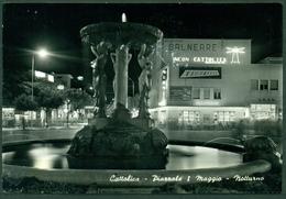 CARTOLINA - RIMINI - CV666 CATTOLICA (Rimini RN) Piazzale 1° Maggio, Notturno, FG, Viaggiata 1959, Ottime Condizioni - Rimini