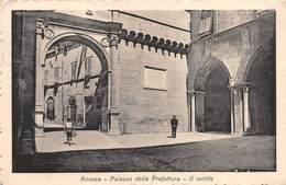 """07627 """"ANCONA - PALAZZO DELLA PREFETTURA - IL CORTILE"""" ANIMATA - CART. ORIG. SPED. 1923 - Ancona"""