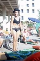 1972 BIKINI WOMAN BEACH PORTUGAL  AMATEUR 35mm DIAPOSITIVE SLIDE Not PHOTO No FOTO B3334 - Diapositives (slides)