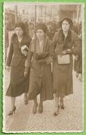 Lisboa - Senhoras Passeando No Rossio - Mulher - Woman - Femme - Vintage - Belle Époque - Lisboa
