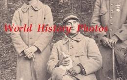 CPA Photo - Front De Meuse ? - Beau Portrait De Poilu Du 106e Régiment , Un Avec Un Petit Chat Dans Les Mains - 1916 WW1 - Guerre 1914-18