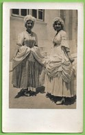 Belas - Senhoras Vestidas à Moda Antiga  - Mulher - Woman - Femme - Vintage - Belle Époque - Customs